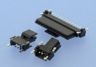 Compact SMT BtB connector with a